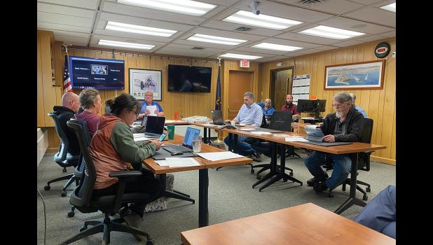 COUNCIL— The Nome Common Council extended the emergency ordinance but rescinded travel mandates.